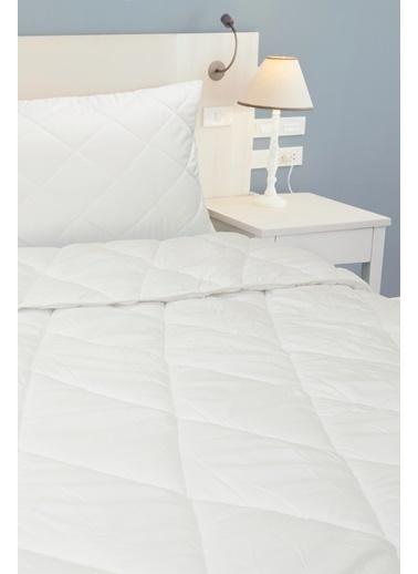 Kiğılı Kiğılı KK21UYZ0ET001 Çift Kişilik Yorgan 195 X 215 cm Beyaz